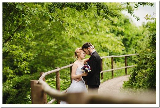 Кем осуществляется обработка свадебных фотографий?