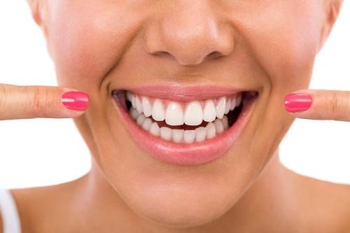 На какие зубы ставят коронки