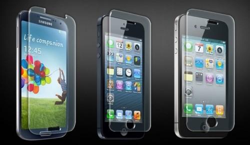 Ассортимент защитных стекол для телефонов
