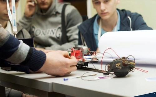 Обзор проектов инженерной школы Noosphere Макса Полякова