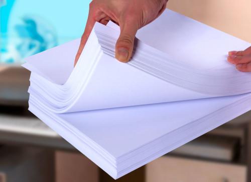 На какой бумаге печатают листовки